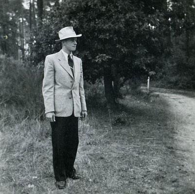 Philipp Häfner 1953, nie ohne Fedora unterwegs...
