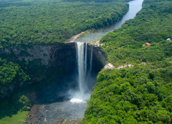 Kaietur Falls (226m) [Guyana, 2009]