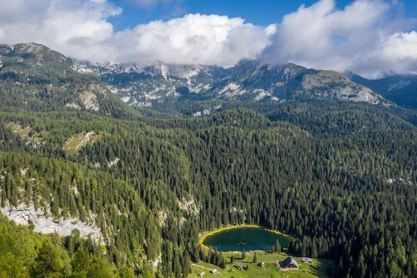 Triglav Nationalpark, lake Jezero na planini pri jezeru