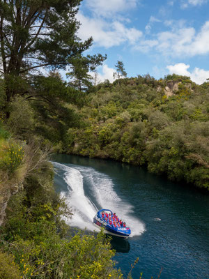 Huka Falls Jet (works as a Jetski and is up to 80 km/h fast), near Taupo [New Zealand, 2014]