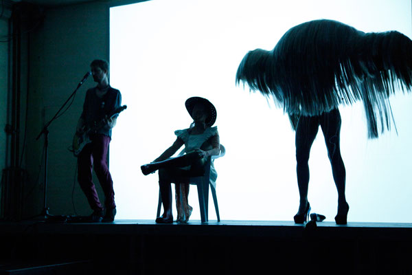 Nixen Reloaded / KOIKATE / Max von Morgen, Lisa Scheibner, Lea Walloschke /  Regie - Sebastian K. König / Fotografin - Constanze Flamme