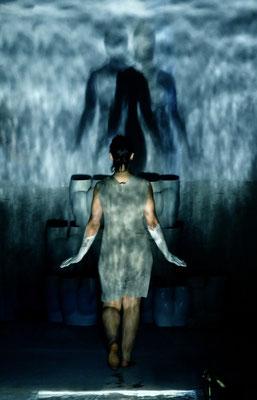 Ich bin Viele - Die kleine Meerjungfrau / KOIKATE / Performance - Popkonzert - Figurentheater / Regie - Sebastian K König / Schwindelfrei Festival 2012 / Mannheim - Stuttgart / Foto © KOIKATE