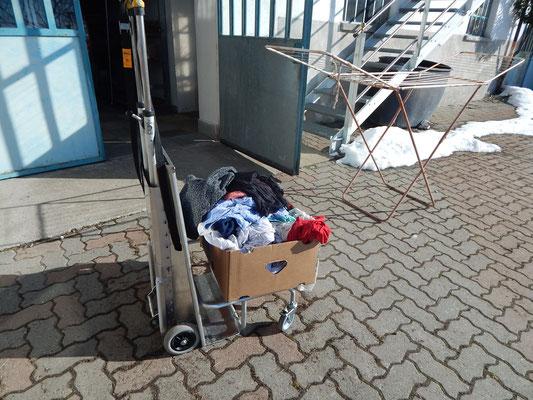 Adelman il carrello manuale che aiuta anche a fare il bucato