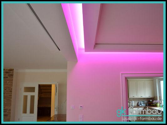 Lichtvoute mit Schattenfuge / RGB Farbwechsel