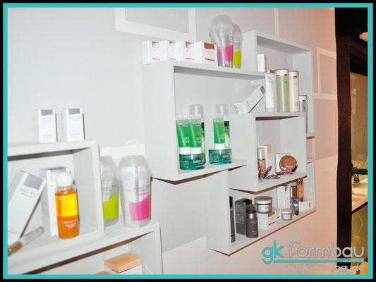 Kosmetikstudio Feinschliff Nauen / GKB Regal aus Rohrprofil gefertigt