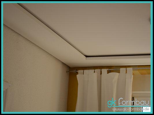 Deckenfries zum Ausgleich einer Altbaudecke