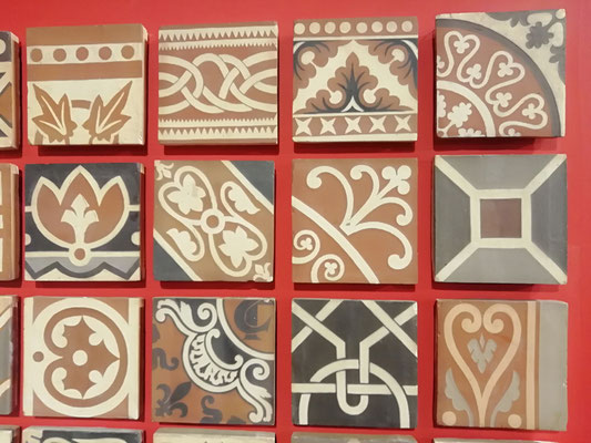 carreaux à décor inceusté polychrome Boulenger (Auneuil)