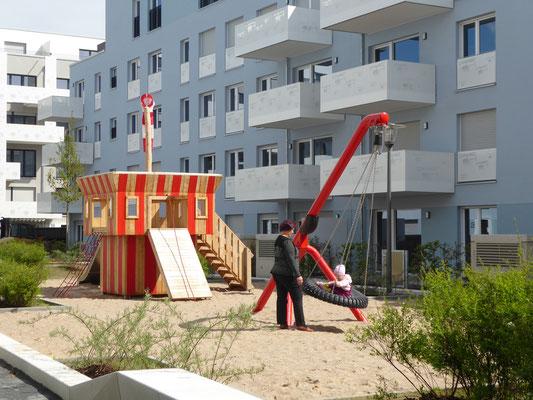 Dino-Schaukel und Tower