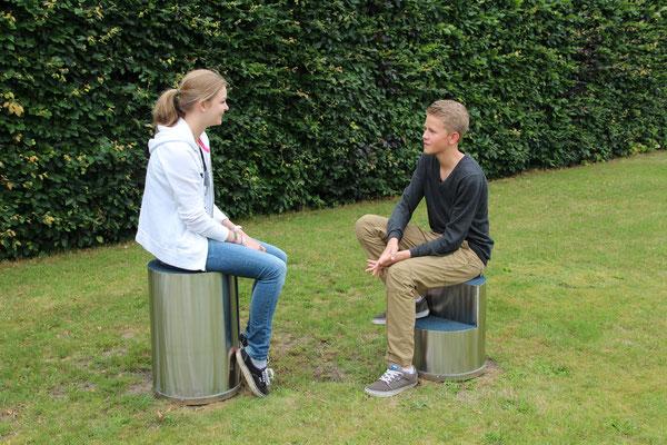 drehbare Spiel-Sitze ohne Anforderung an Fallschutz