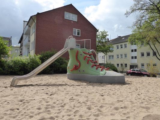 Turnschuh mit Anbaurutsche in Edelstahl