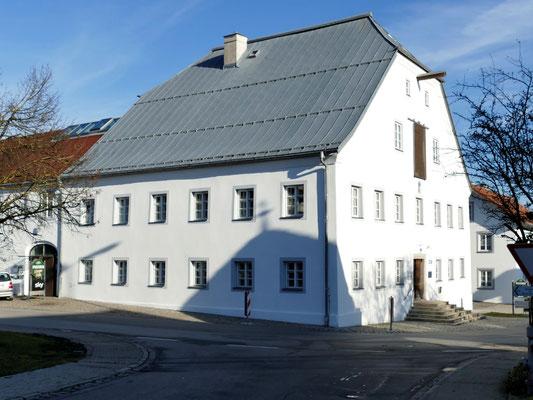 Das Würzingerhaus mit einer Ausstellung des Naturparks Bayerischer Wald.
