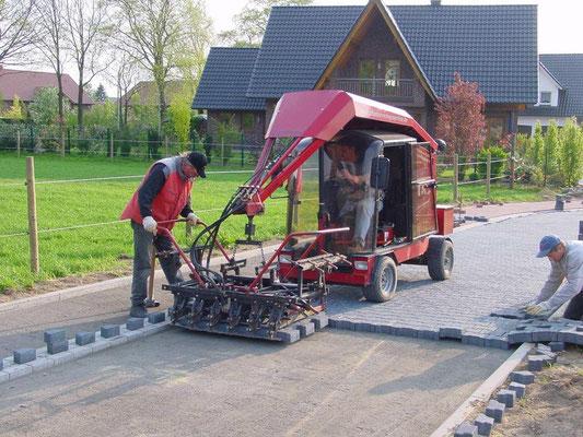 Pavimentación mecánica en urbanizaciones