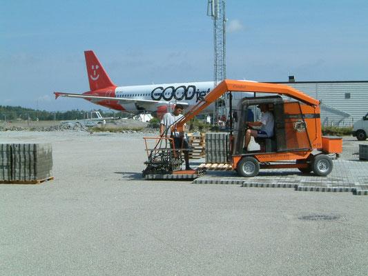 Colocación de adoquines en el aeropuerto de Lintho Sandefjord