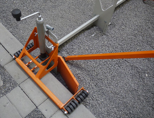 Detalle lateral apoyo bordillo MiniScreed