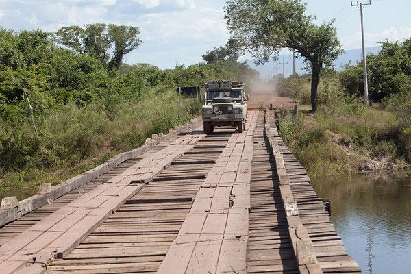 Holzbrücke im Pantanal im Mato Grasso de Sul