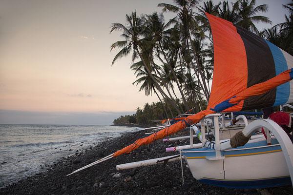 Auslegerboote bei Kubu, Bali, Indonesien