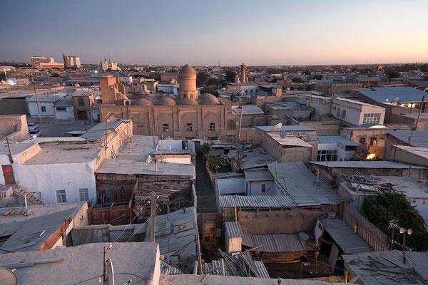 Über den Dächern von Buchara Usbekistan