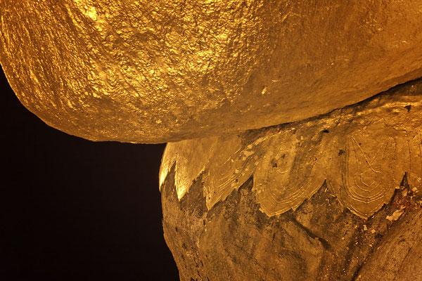 Goldene Fels bei dem Städtchen Kyaikto im Mon-Staat Myanmar