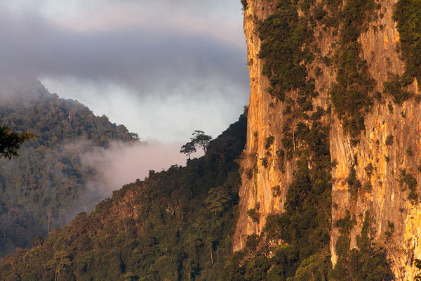 Vang Vieng/ Karstlandschaft am Nam Xong Laos