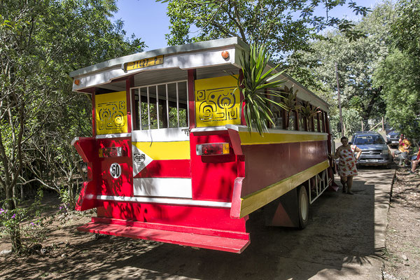 Schulbus auf Ua Huka