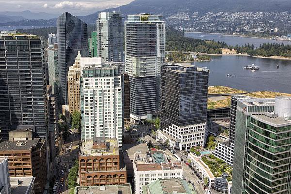 Harbour Tower Lookout auf den Hafen von Vancouver Kanada