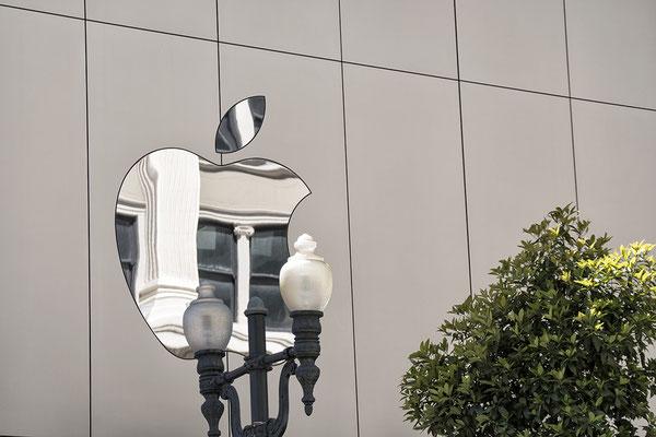 Apple Shop in San Franzisco
