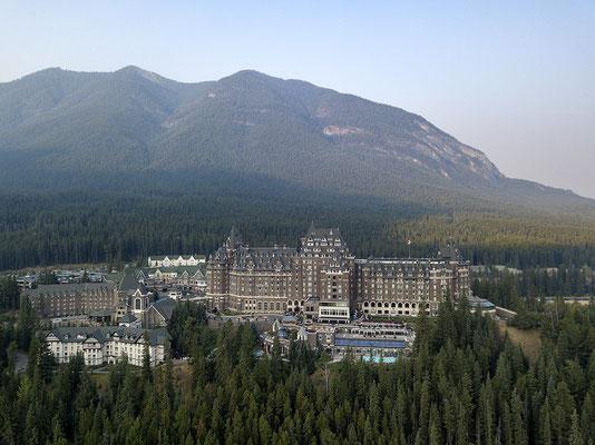 Hotel The Fairmont Banff Springs aus der Vogelperspektive Alberta Kanada