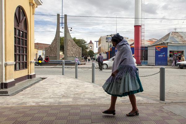 Bolivianerin in Uyuni
