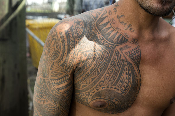 Samoaner mit traditionellen Tattos