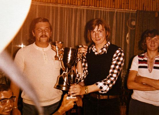 Mathy Billen kapt FC Berg mei-juni 1973 rechts rik schrijvers