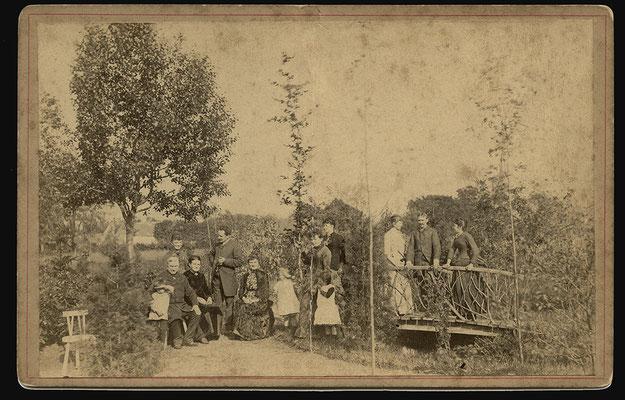 Bijhorende tekst zie volgende foto  foto rond 1886 foto gemaakt door Nagant