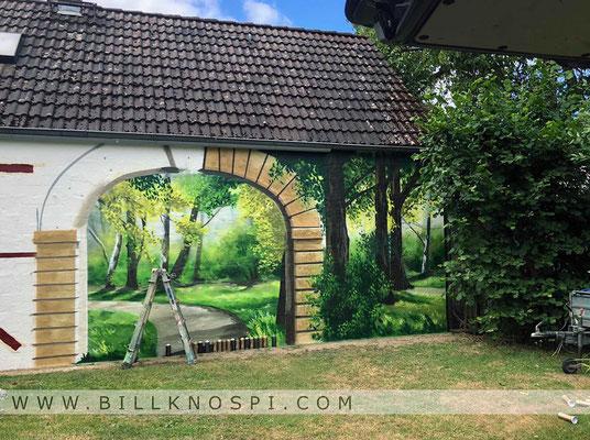 Die Entstehung eines Graffiti Auftrages im Garten von Fredersdorf