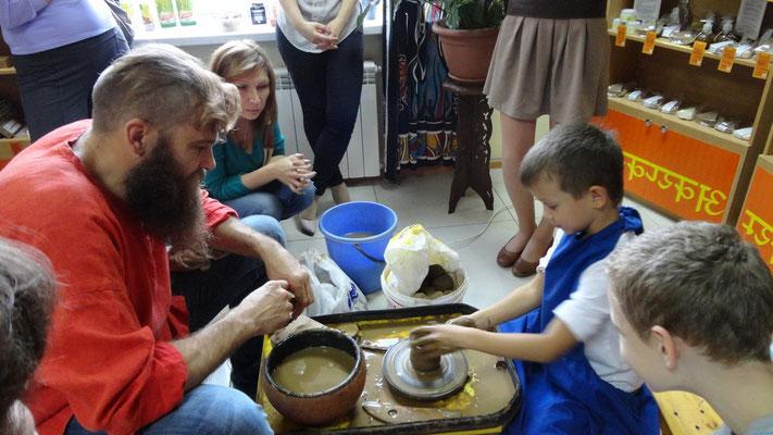мастер класс по гончарному мастерству .... дети самое сложное