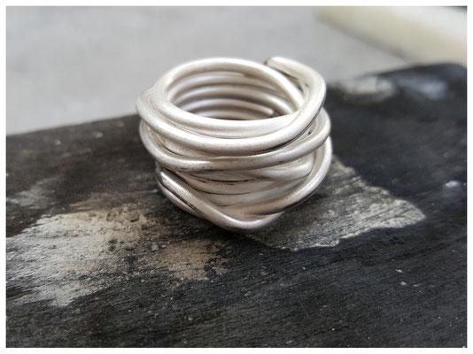 breiter gewickelter Ring aus Silber