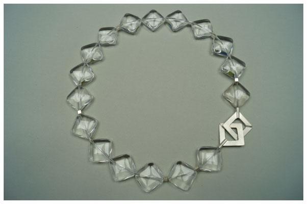 Bergkrsitallkette mit 925er Silberverschluss / 295,-€