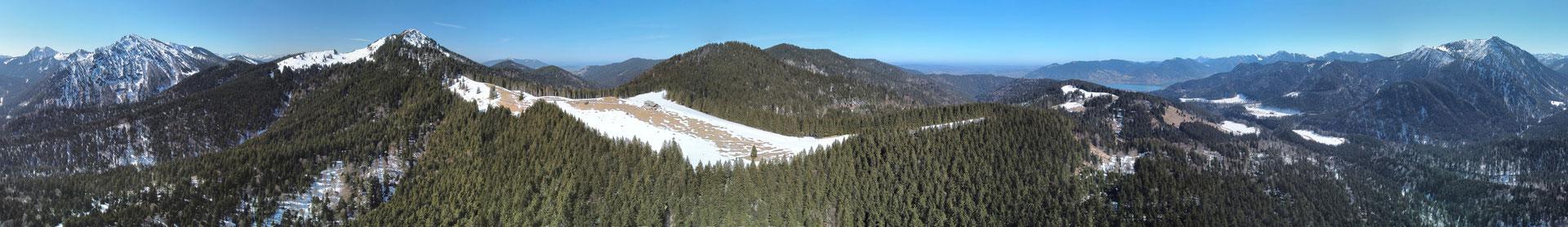 Panorama - Drohnenfoto - Landschaft - Berge - Alpen - Schnee - Winter - Ausflug - Wanderung - Aueralm - Bad Wiesse - Tegernsee