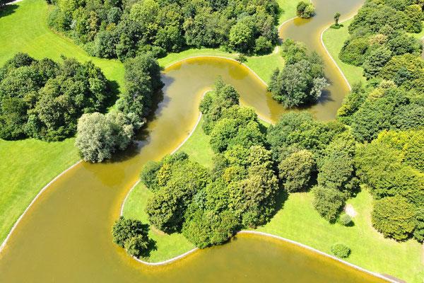Vogelperspektive, Drohnenfoto, Drohnenbild, Luftaufnahme, Bayern, Sommer, Bäume, See, München, Ostpark