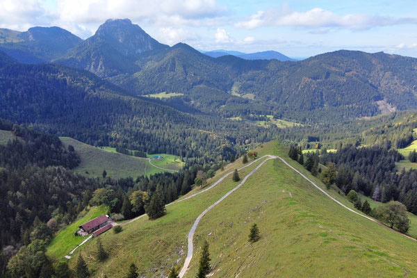 Vogelperspektive, Drohnenfoto, Drohnenbild, Luftaufnahme, Berge, Alpen, Sommer, Bad Feilnbach, Wanderung, Chiemgau, Gipfel Mitterberg, Kreuz, Spitze