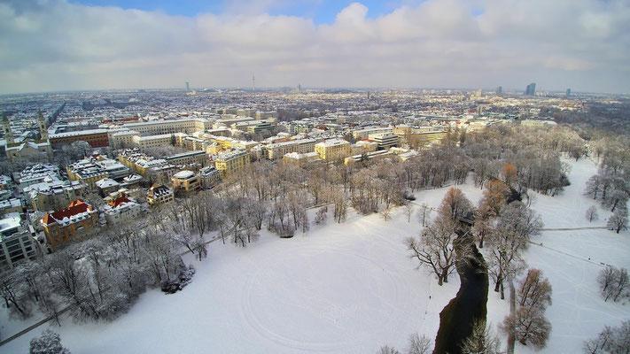Drohnenfoto - Vogelperspektive - Drohne - Drohnenbild - Luftaufnahme - Winter - Schnee - München - Englischer Garten