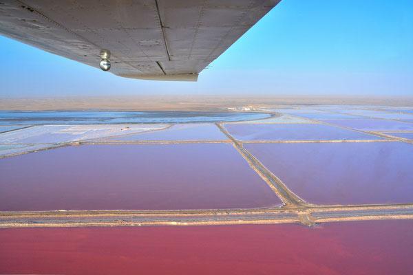 Namibia - Rundfahrt - Reise - Rundreise - Landschaft - Flug - Swakopmund - Hentiesbaai - Atlantischer Ozean - Salzabbau