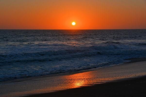 Namibia - Rundfahrt - Reise - Rundreise - Landschaft - Walvis Bay - Atlantischer Ozean - Sonnenuntergang