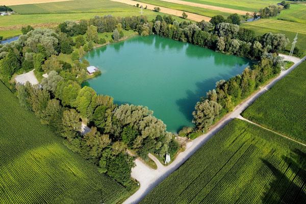 Drohnenfoto - Vogelperspektive - Drohne - Drohnenbild - Luftaufnahme - See - Wörth - Weiher - Wörther Weiher