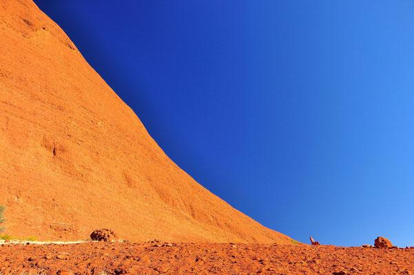 Australia - Australien -Zentralaustralien - Outback - Northern Territory - Landschaft - Blau - Rot - Berg - Kata Tjuta - Olgas