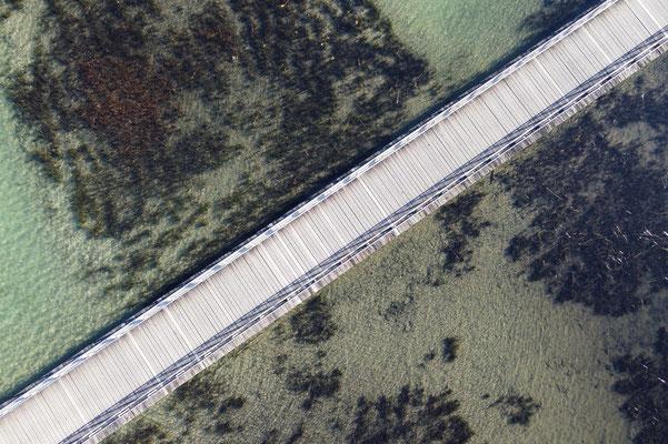 Drohnenfoto - Vogelperspektive - Drohne - Drohnenbild - Luftaufnahme - Brücke - See