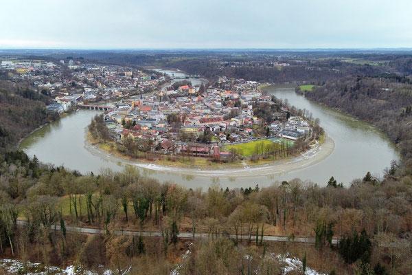 Drohnenfoto - Vogelperspektive - Drohne - Drohnenbild - Luftaufnahme - Wasserburg am Inn - Innenstadt - Halbinsel - Fluss