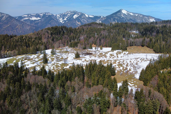 Vogelperspektive, Drohnenfoto, Drohnenbild, Luftaufnahme, Landschaft, Bayern, Alpen, Berge, Wanderung, Winter, Wald, Felsen, Schatten, Schnee, Schwarzenberg