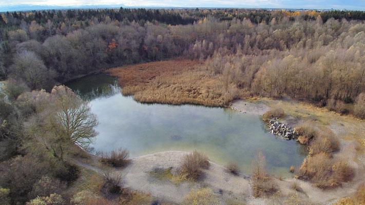 Drohnenfoto - Vogelperspektive - Drohne - Drohnenbild - Luftaufnahme - See - München - Perlach - Baggersee - Kieswerk