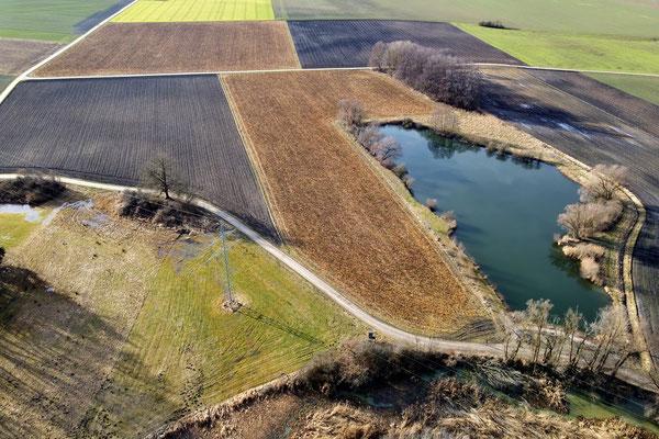 Drohnenfoto - Vogelperspektive - Drohne - Drohnenbild - Luftaufnahme - See, Fahrenzhausen