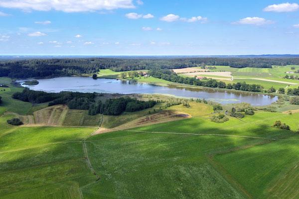 Drohnenfoto - Vogelperspektive - Drohne - Drohnenbild - Luftaufnahme - See - Egglburger See