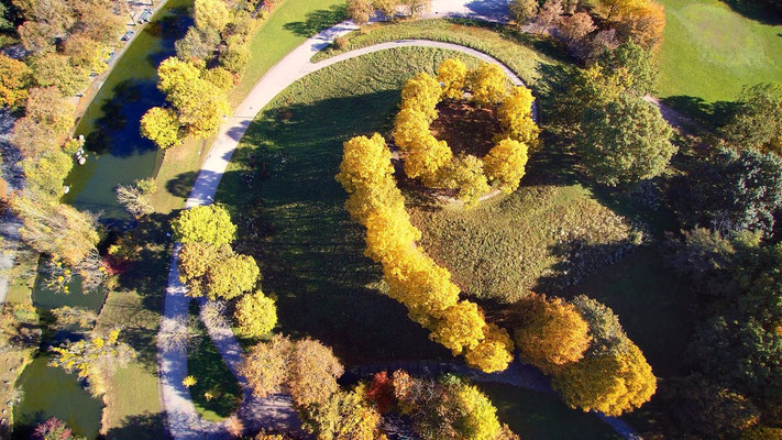 Vogelperspektive, Drohnenfoto, Drohnenbild, Schattenspiel, Luftaufnahme, Bayern, Feld, Grün, Streifen, Bäume, Schatten, Muster, Flecken, Park
